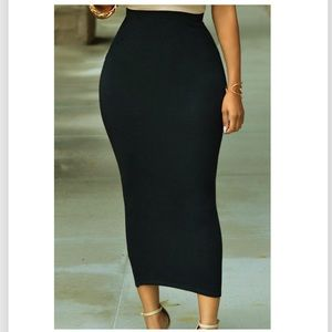 Dresses & Skirts - Solid Black High-waisted Bodycon Maxi Skirt